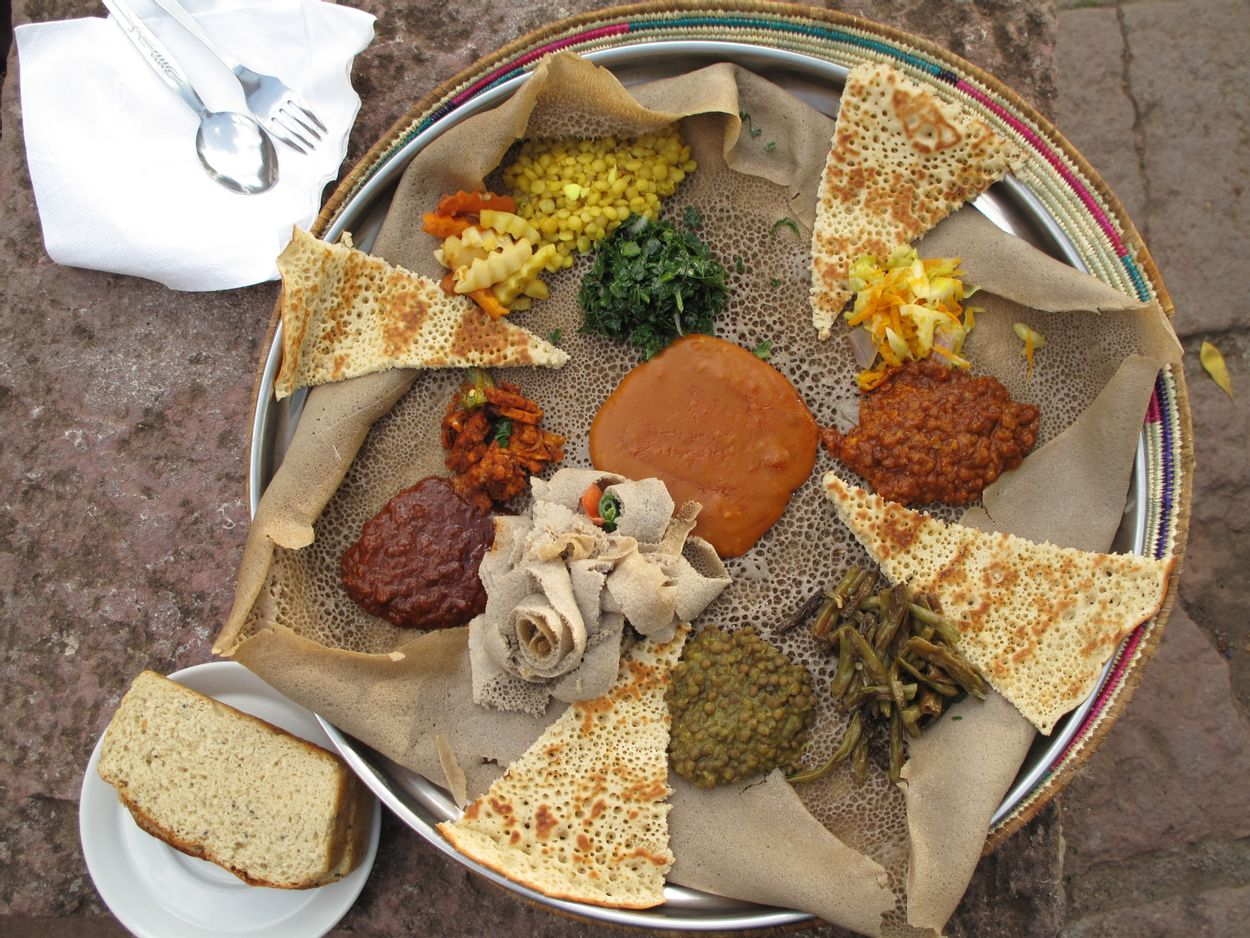 Injera_(during_Easter_Time,_Lalibela,_Ethiopia)