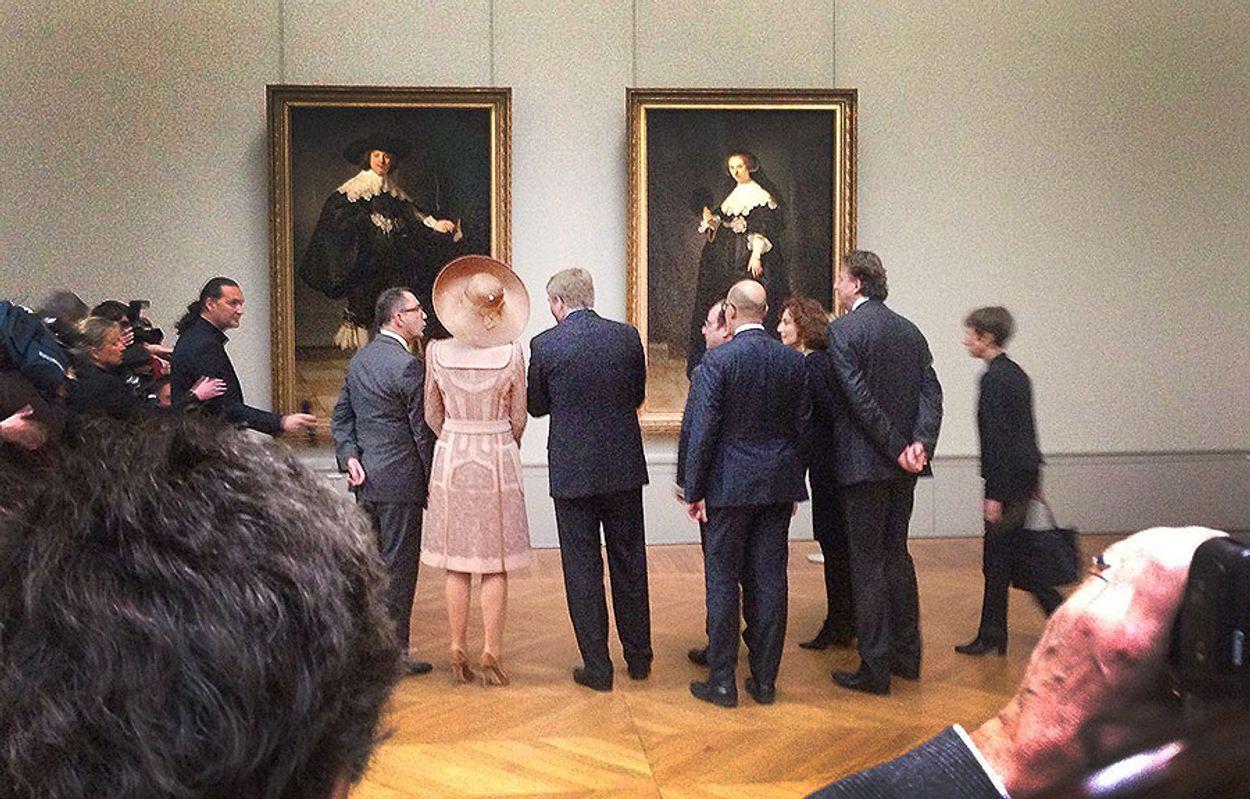 Redacteur Pieter Eckhardt was bij de presentatie van de Rembrandt portretten.